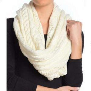 Micheal Kors NWT Cable Knit Infinity Scarf